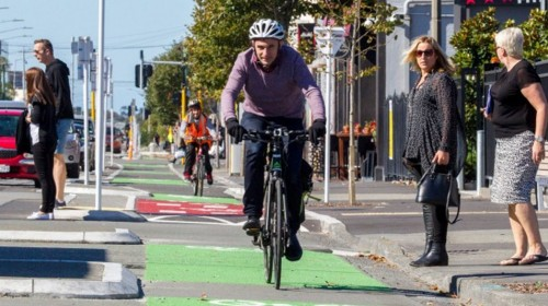 Gerry Brownlee threatens to halt government funding for central Christchurch roading projects